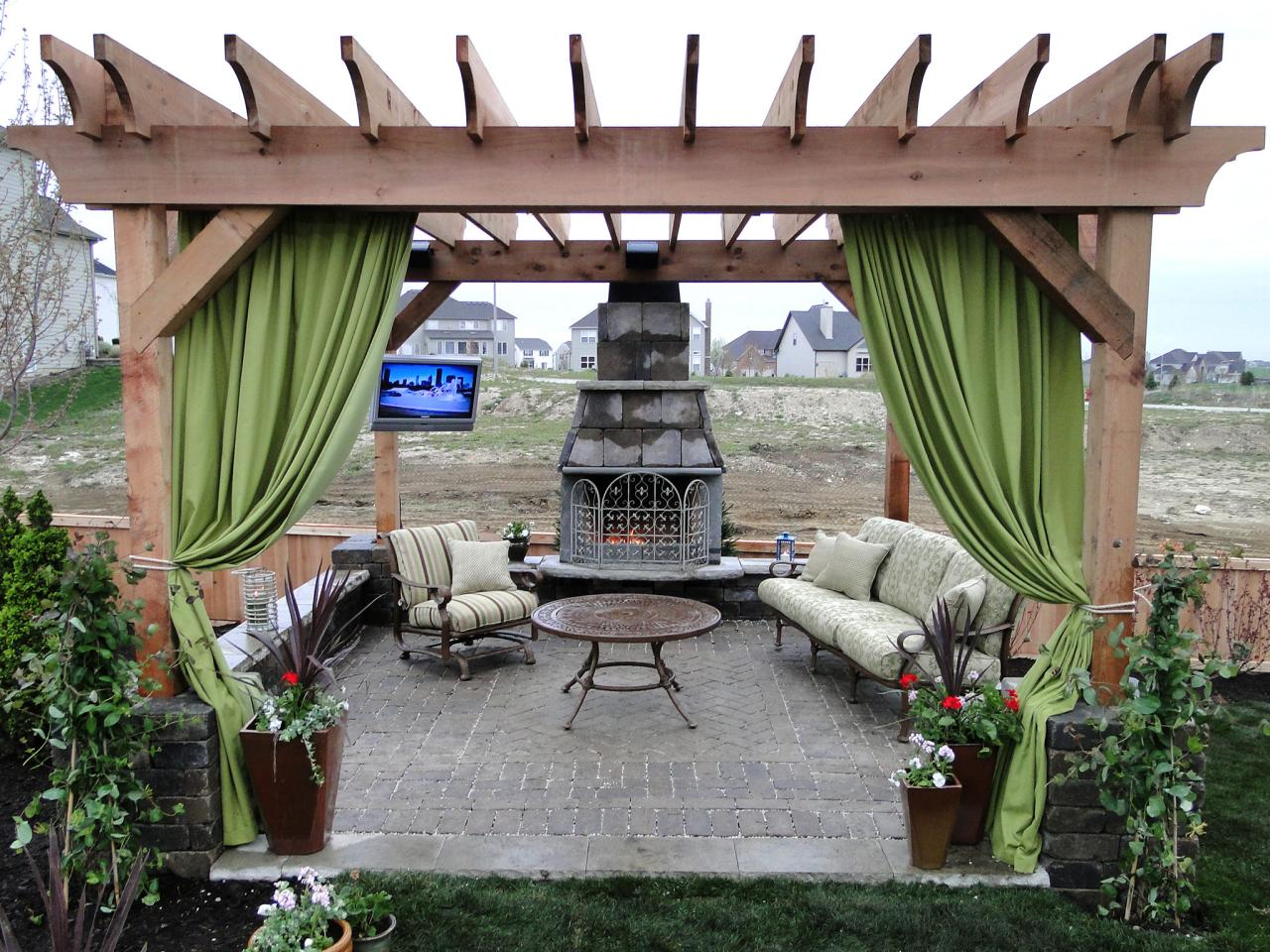 Pasadena-Woodlands TX Landscape Designs & Outdoor Living Areas-We offer Landscape Design, Outdoor Patios & Pergolas, Outdoor Living Spaces, Stonescapes, Residential & Commercial Landscaping, Irrigation Installation & Repairs, Drainage Systems, Landscape Lighting, Outdoor Living Spaces, Tree Service, Lawn Service, and more.