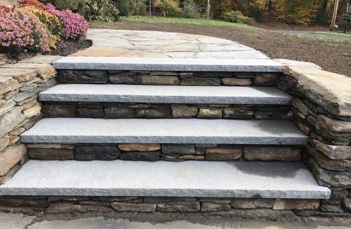 Pearland-Woodlands TX Landscape Designs & Outdoor Living Areas-We offer Landscape Design, Outdoor Patios & Pergolas, Outdoor Living Spaces, Stonescapes, Residential & Commercial Landscaping, Irrigation Installation & Repairs, Drainage Systems, Landscape Lighting, Outdoor Living Spaces, Tree Service, Lawn Service, and more.