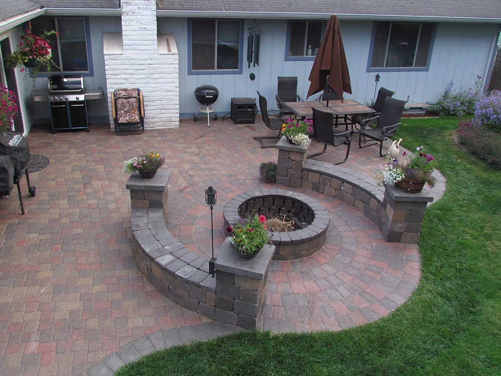 Stonescapes-Woodlands TX Landscape Designs & Outdoor Living Areas-We offer Landscape Design, Outdoor Patios & Pergolas, Outdoor Living Spaces, Stonescapes, Residential & Commercial Landscaping, Irrigation Installation & Repairs, Drainage Systems, Landscape Lighting, Outdoor Living Spaces, Tree Service, Lawn Service, and more.